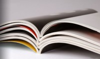 Les reliures de brochures, catalogues ou magazines.